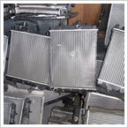 福岡ラジエーターにて、コア増し、IN・OUTパイプ移動、給水口移動、給油口移動等の改造や特注製作をしました改造品・特注製作品には、全品に安心の福岡ラジエーターの1年間オリジナル保証がついています。